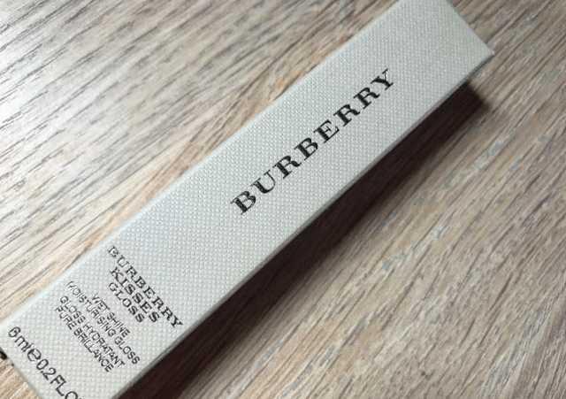 Burberry kisses gloss 09 Pale nude фото